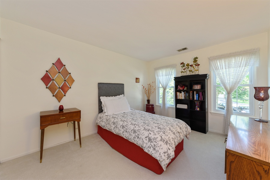 Real Estate Photography - 709 NEWGATE Lane, Unit C, Prospect Heights, IL, 60070 - 2nd Bedroom