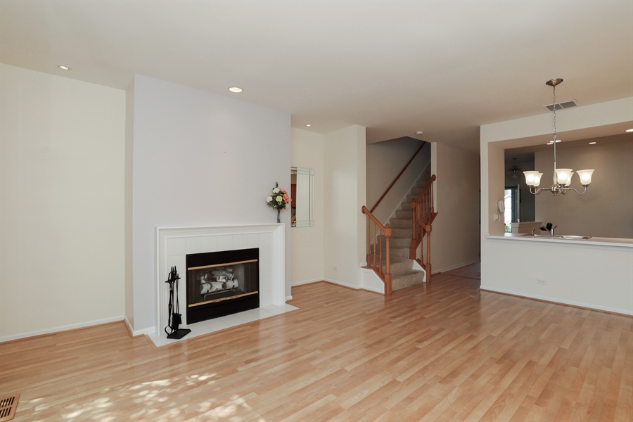 Real Estate Photography - 17778 W. Braewick Road, Gurnee, IL, 60031 - Living Room