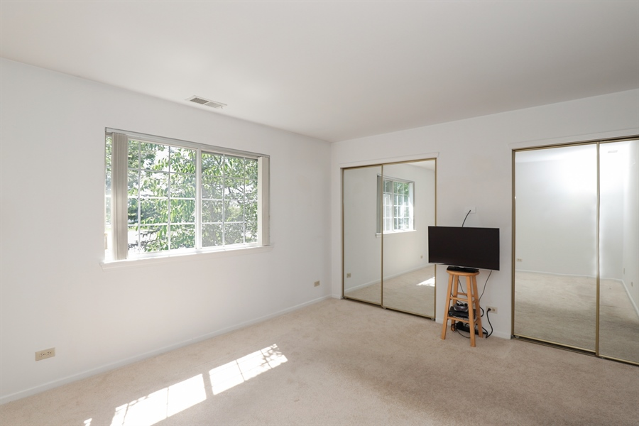 Real Estate Photography - 17778 W. Braewick Road, Gurnee, IL, 60031 - Master Bedroom