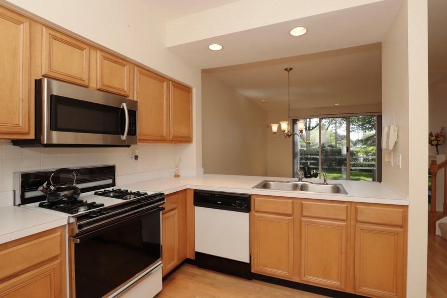 Real Estate Photography - 17778 W. Braewick Road, Gurnee, IL, 60031 - Kitchen