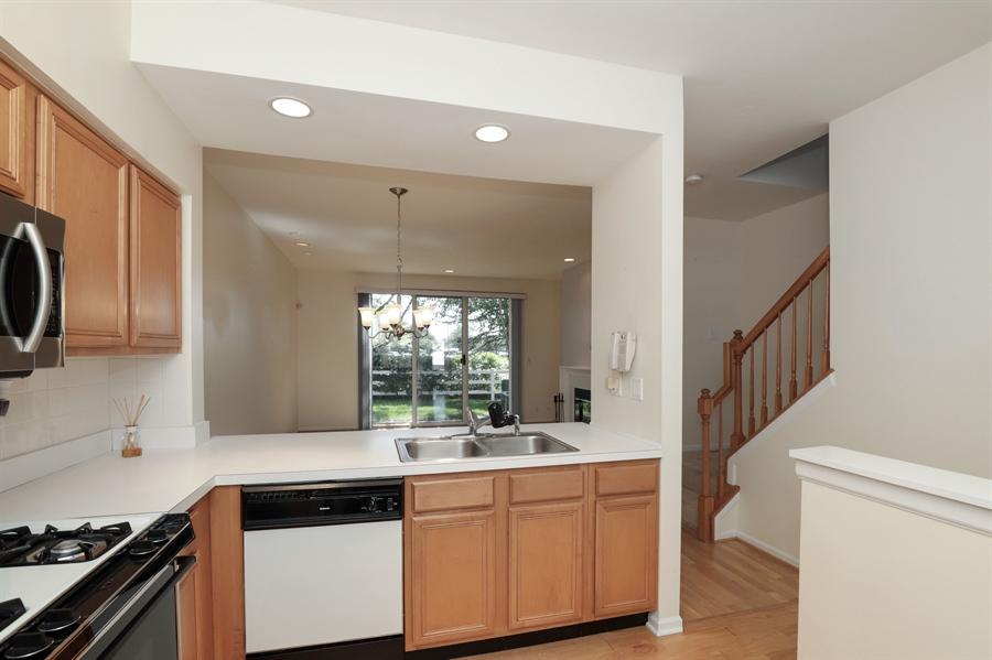 Real Estate Photography - 17778 W. Braewick Road, Gurnee, IL, 60031 - Kitchen / Breakfast Room