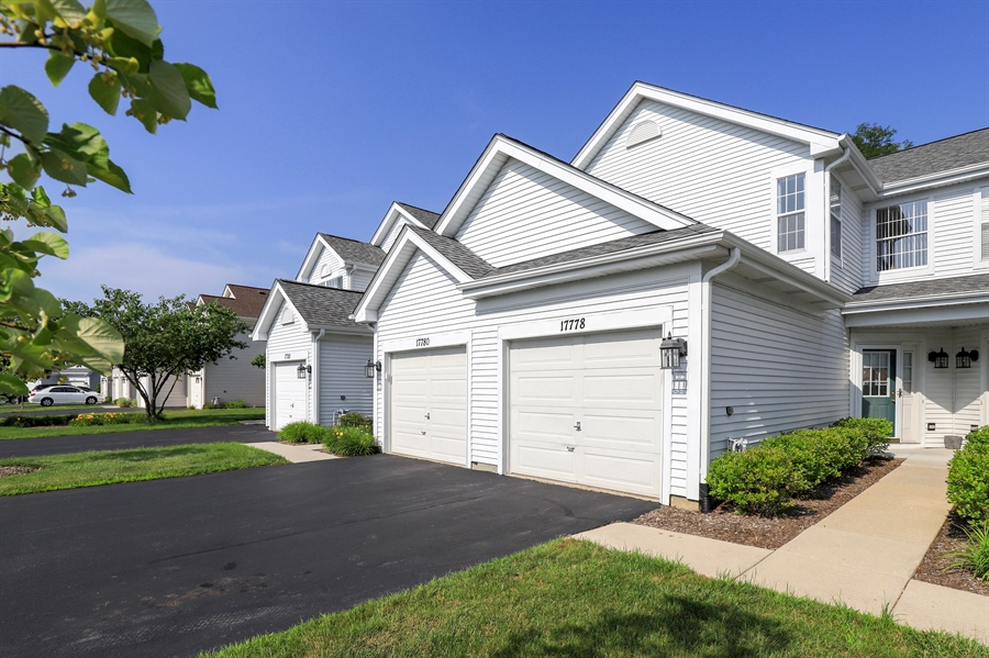 Real Estate Photography - 17778 W. Braewick Road, Gurnee, IL, 60031 - Front View