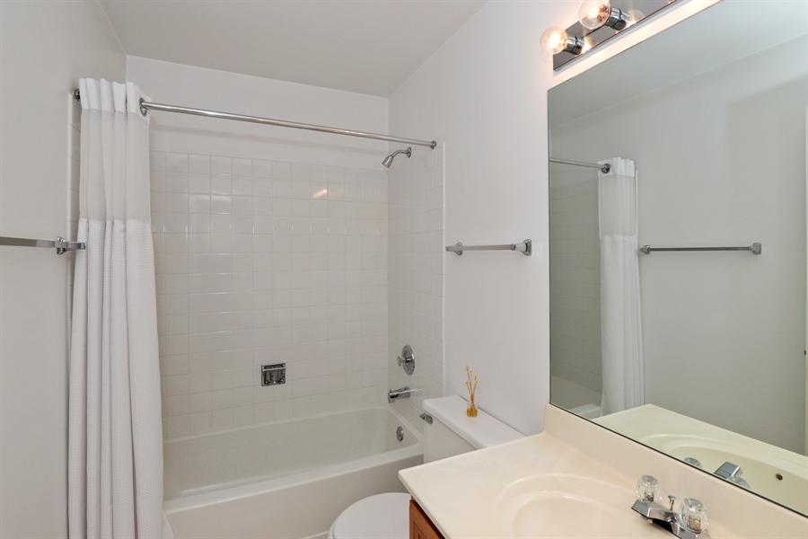 Real Estate Photography - 17778 W. Braewick Road, Gurnee, IL, 60031 - Bathroom