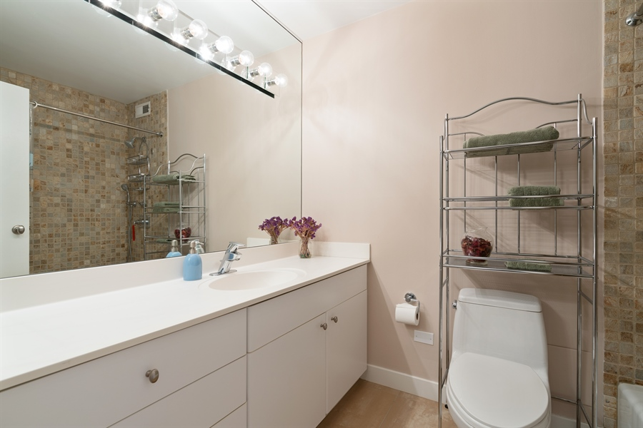 Real Estate Photography - 1313 N. Ritchie Court, Unit 1604, Chicago, IL, 60610 - 2nd Bath
