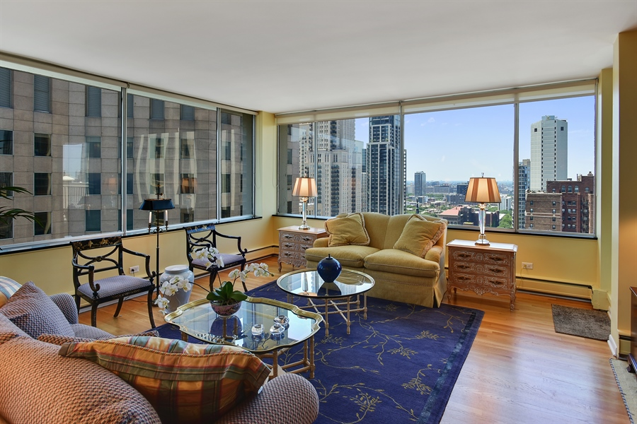Real Estate Photography - 1000 N. Lake Shore Plaza, Unit 24C, Chicago, IL, 60611 - Living Room