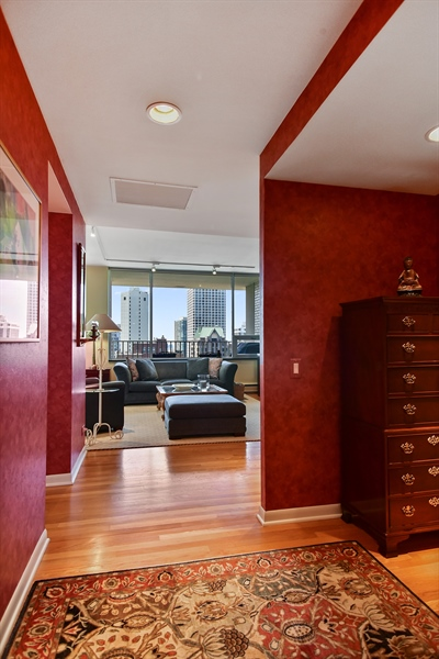 Real Estate Photography - 1000 N. Lake Shore Plaza, Unit 24C, Chicago, IL, 60611 - Foyer