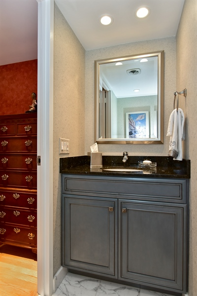 Real Estate Photography - 1000 N. Lake Shore Plaza, Unit 24C, Chicago, IL, 60611 - Half Bath