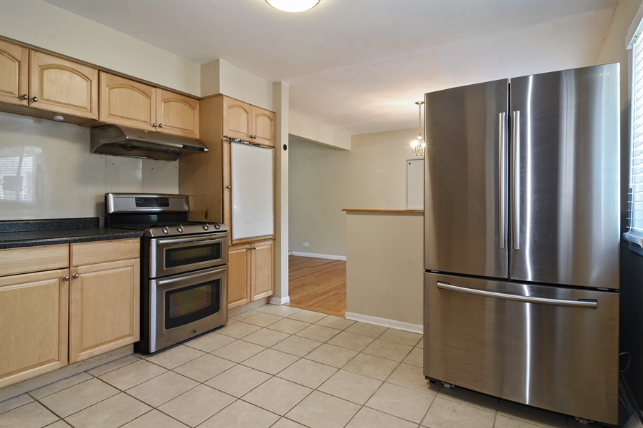 Real Estate Photography - 105 W. THOMAS Street, Arlington Heights, IL, 60004 - Kitchen