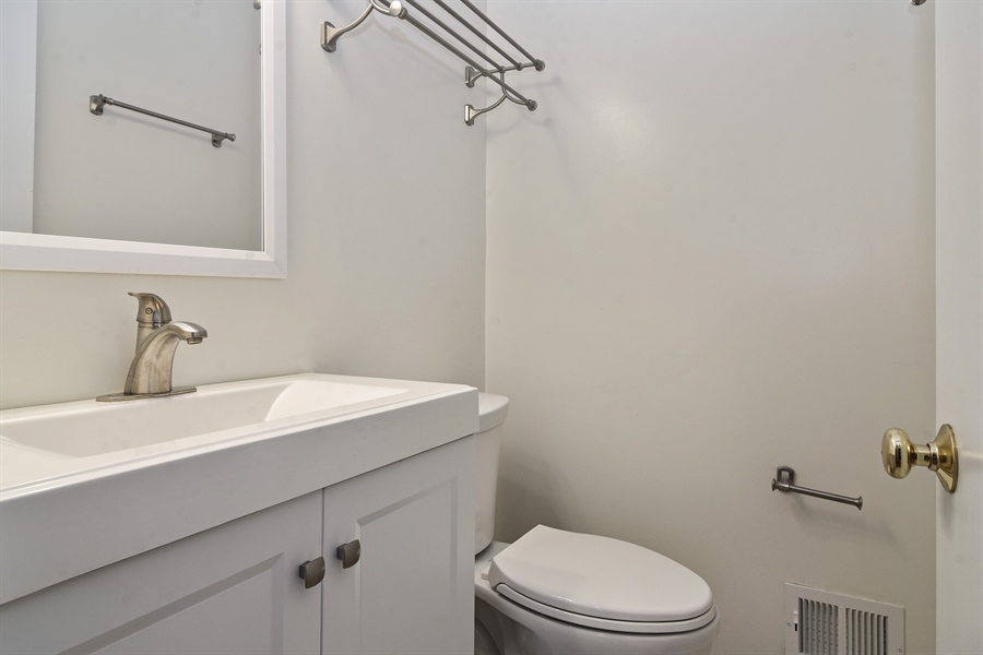 Real Estate Photography - 105 W. THOMAS Street, Arlington Heights, IL, 60004 - Half Bath