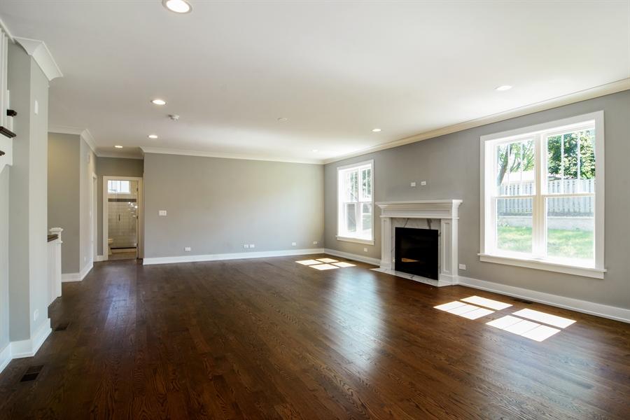 Real Estate Photography - 935 W. Ellis Street, Palatine, IL, 60067 - Family Room