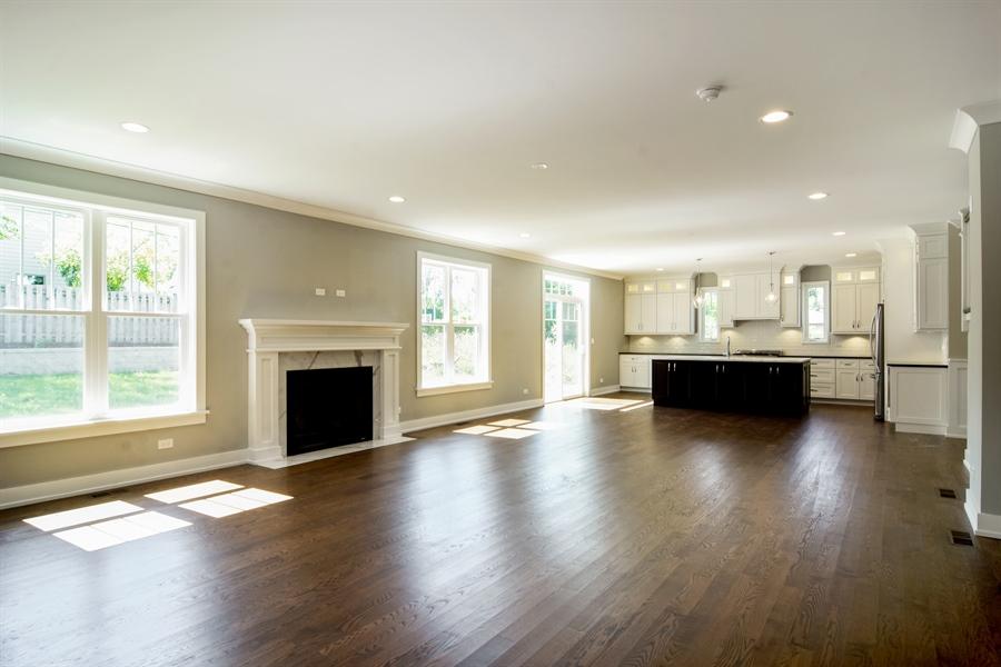 Real Estate Photography - 935 W. Ellis Street, Palatine, IL, 60067 - Family Room / Kitchen