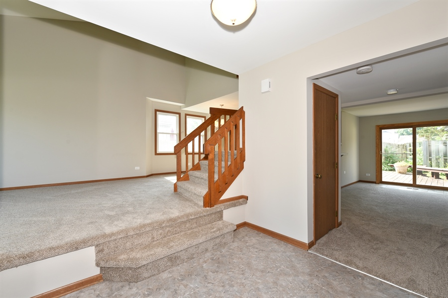 Real Estate Photography - 41 FILLMORE Lane, Streamwood, IL, 60107 - Foyer