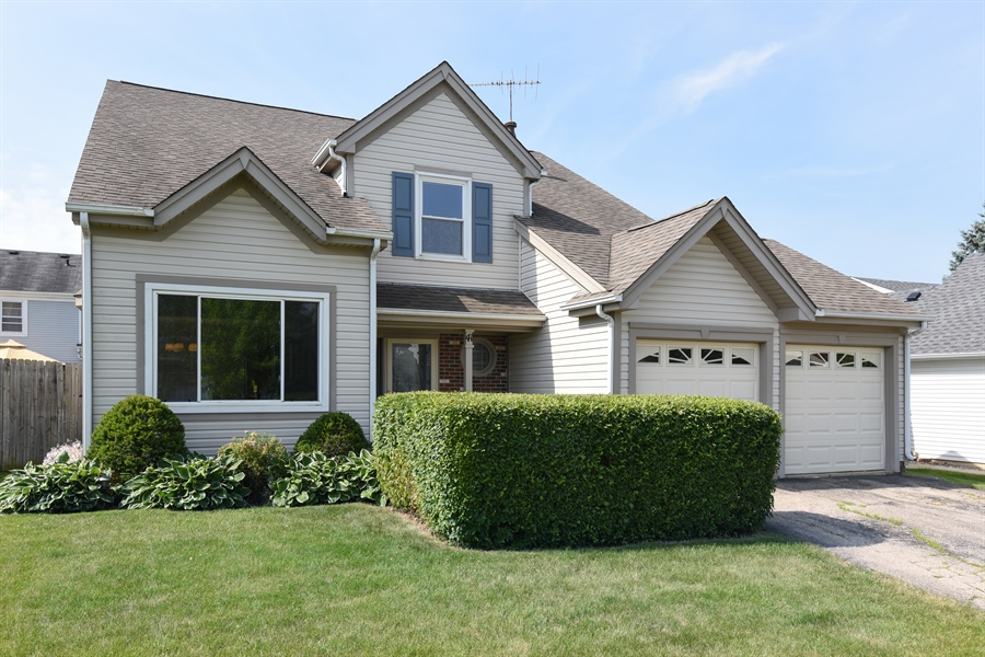 Real Estate Photography - 41 FILLMORE Lane, Streamwood, IL, 60107 - Front View