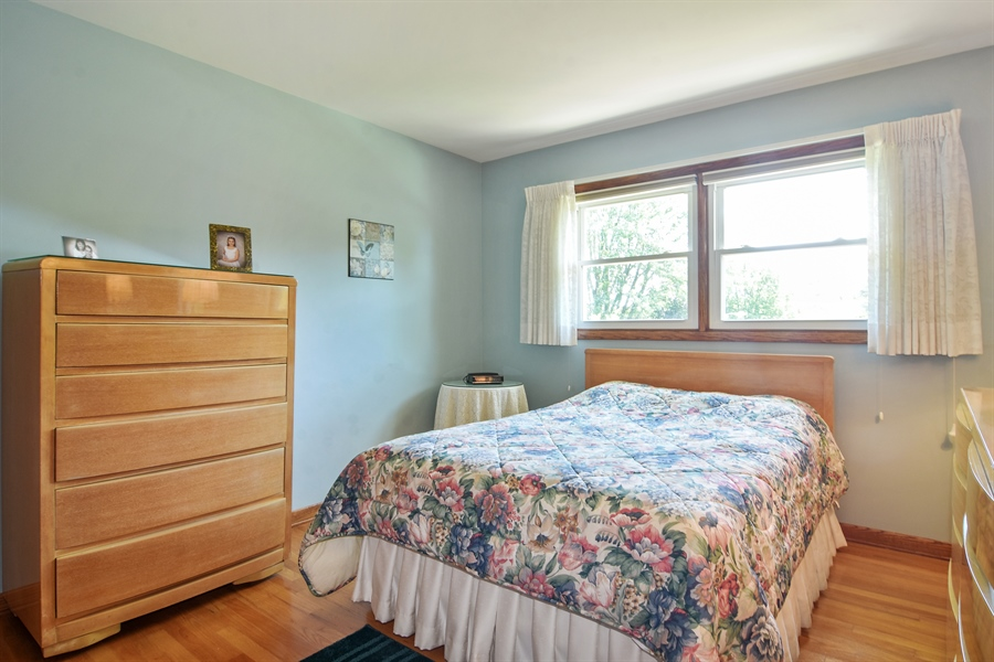 Real Estate Photography - 1813 N. Andoa Lane, Mount Prospect, IL, 60056 - 2nd Bedroom