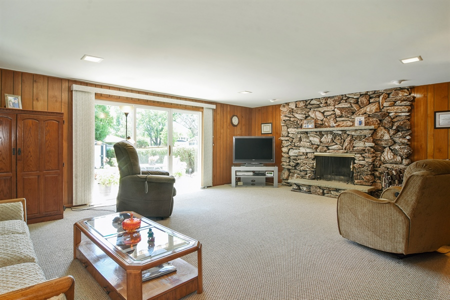Real Estate Photography - 1813 N. Andoa Lane, Mount Prospect, IL, 60056 - Family Room
