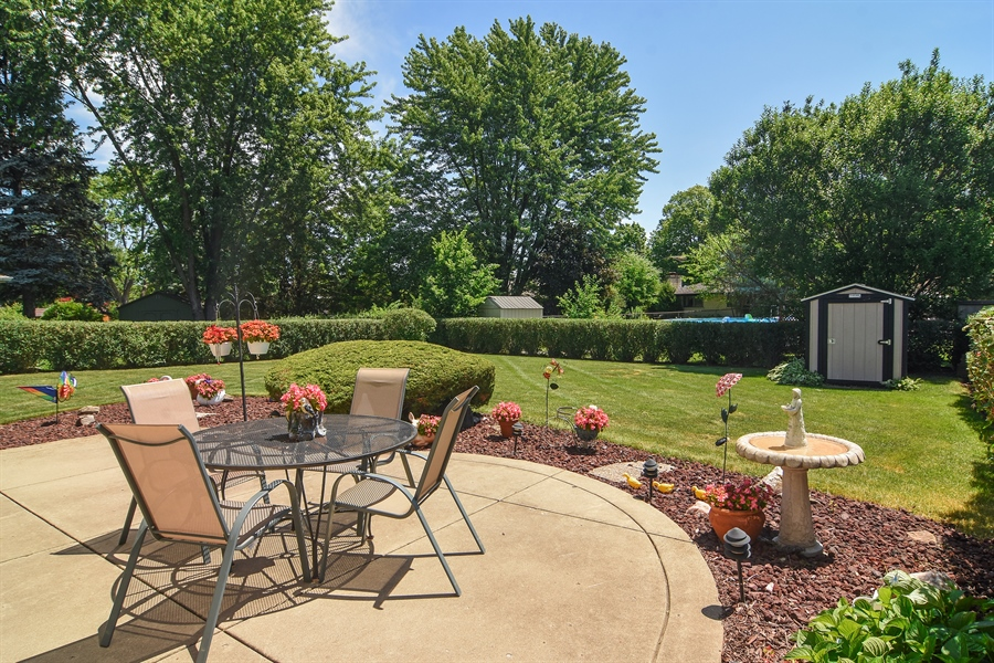 Real Estate Photography - 1813 N. Andoa Lane, Mount Prospect, IL, 60056 - Patio