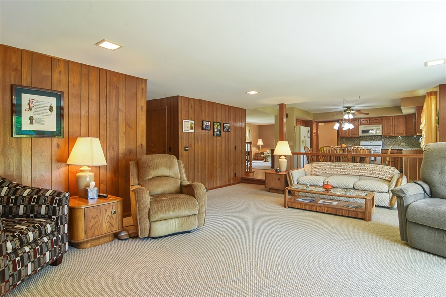 Real Estate Photography - 1813 N. Andoa Lane, Mount Prospect, IL, 60056 - Family Room / Kitchen