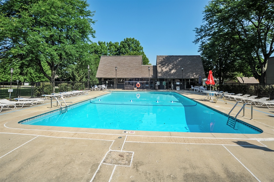 Real Estate Photography - 530 Chard Court, Grayslake, IL, 60030 - Pool