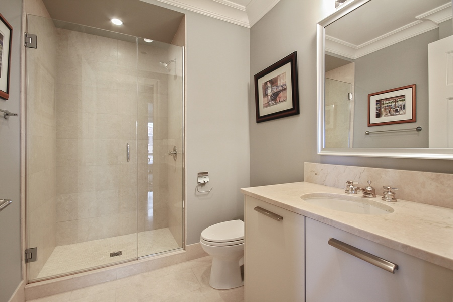 Real Estate Photography - 2550 N. Lakeview Avenue, Chicago, IL, 60614 - 2nd Bathroom