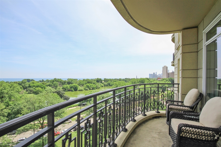 Real Estate Photography - 2550 N. Lakeview Avenue, Chicago, IL, 60614 - One of two terraces