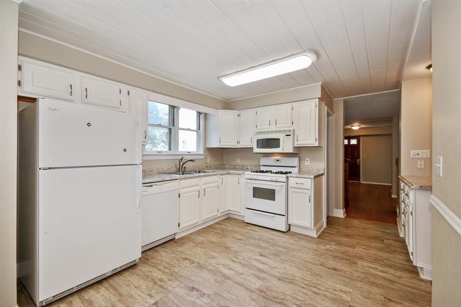 Real Estate Photography - 128 Richards Street, Geneva, IL, 60134 - Kitchen
