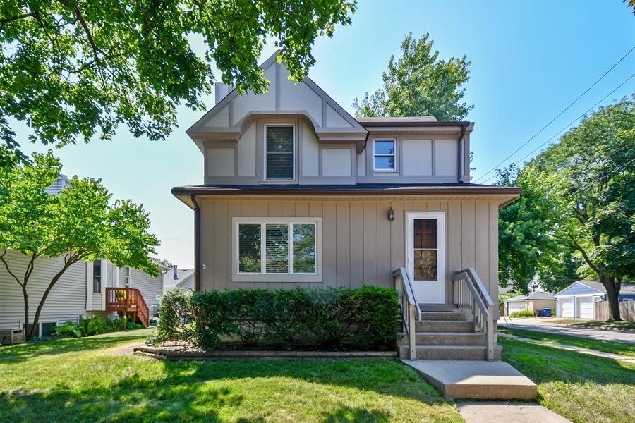 Real Estate Photography - 128 Richards Street, Geneva, IL, 60134 - Historic Geneva, walk to town!