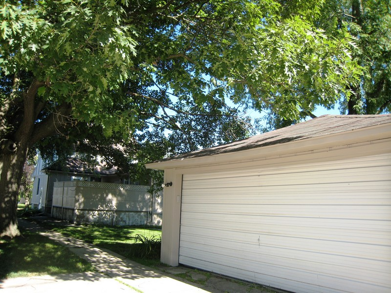 Real Estate Photography - 128 Richards Street, Geneva, IL, 60134 - 2-Car Garage, Plus parking space off Alley