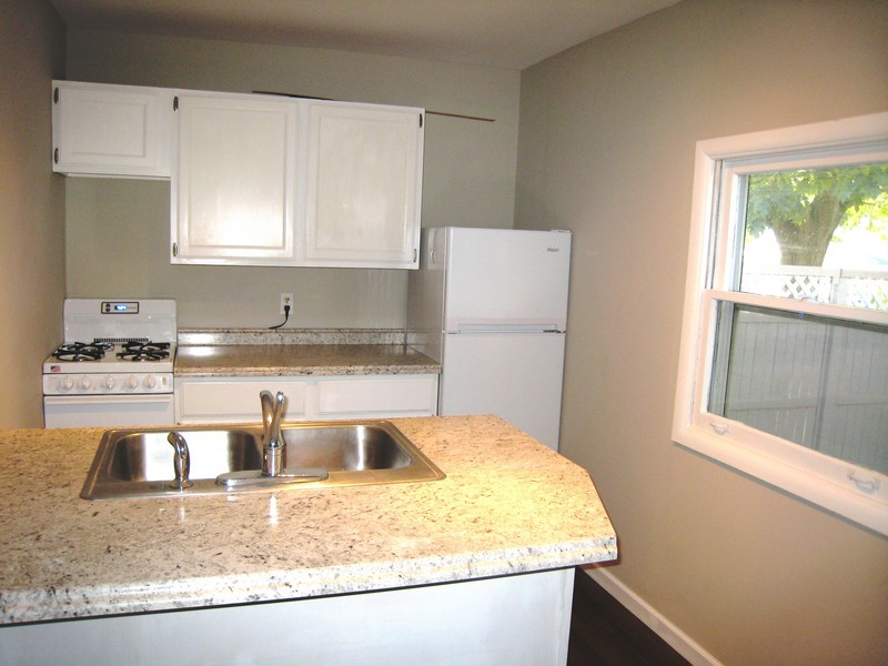Real Estate Photography - 128 Richards Street, Geneva, IL, 60134 - Kitchen in In-law Apartment