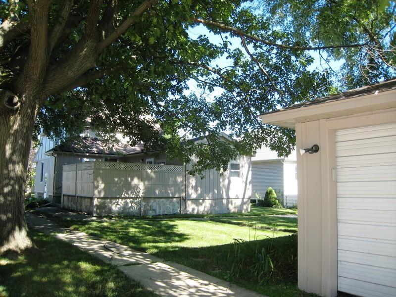 Real Estate Photography - 128 Richards Street, Geneva, IL, 60134 - Back Yard