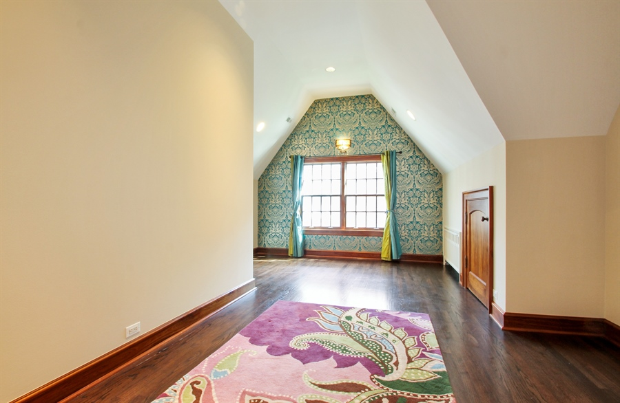 Real Estate Photography - 5900 N. Kilpatrick Avenue, Chicago, IL, 60646 - 2nd Bedroom