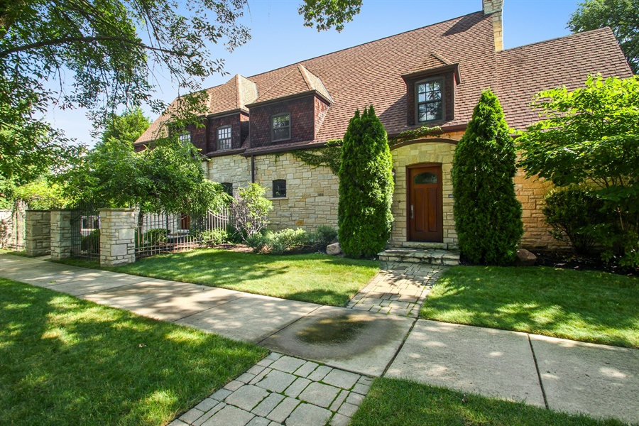 Real Estate Photography - 5900 N. Kilpatrick Avenue, Chicago, IL, 60646 - Front View
