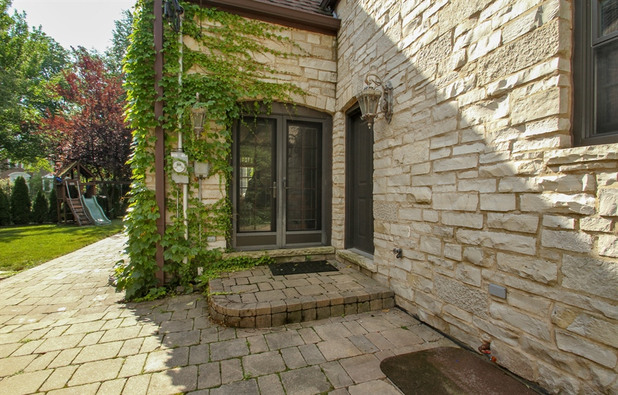 Real Estate Photography - 5900 N. Kilpatrick Avenue, Chicago, IL, 60646 - Patio