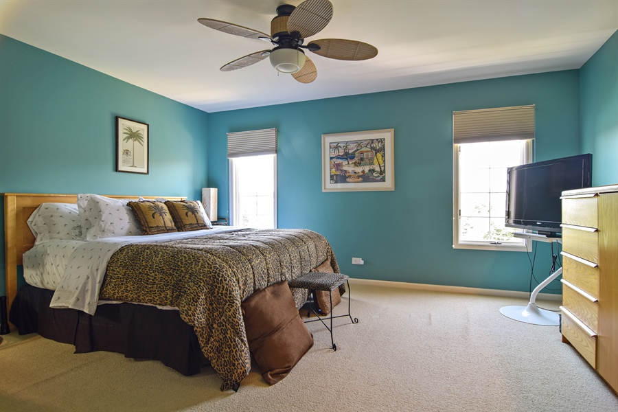 Real Estate Photography - 1304 Shire Circle, Unit 4, Inverness, IL, 60067 - Master Bedroom