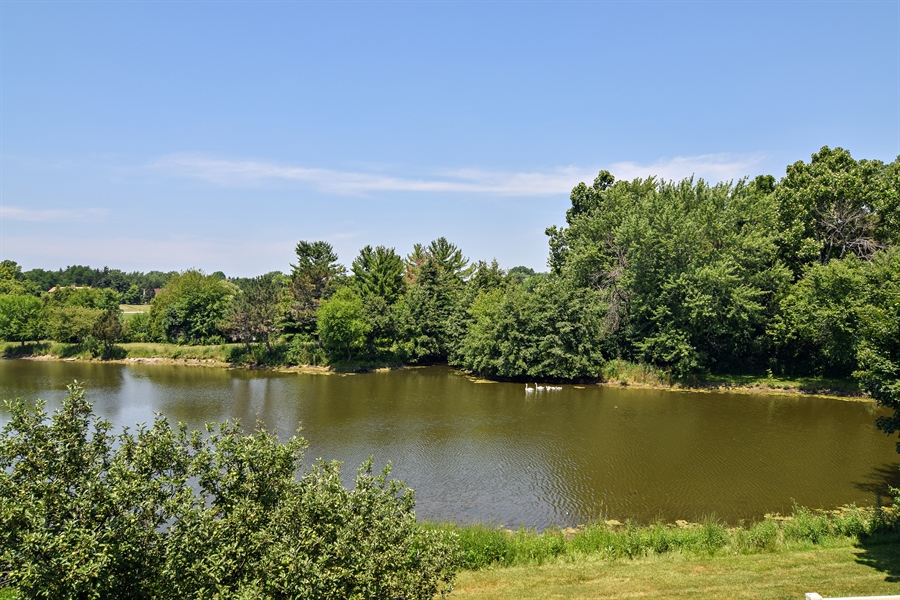 Real Estate Photography - 1304 Shire Circle, Unit 4, Inverness, IL, 60067 - View