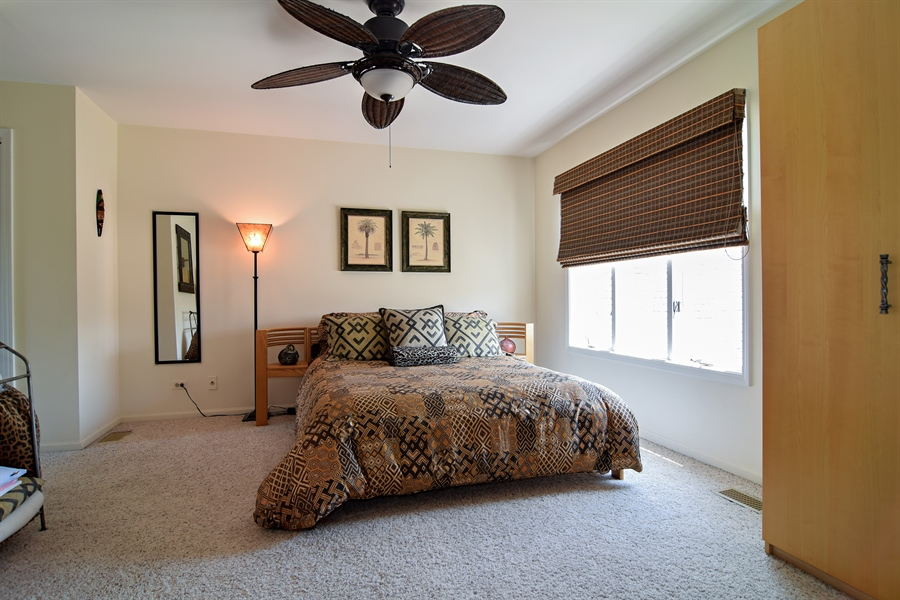 Real Estate Photography - 1304 Shire Circle, Unit 4, Inverness, IL, 60067 - Bedroom