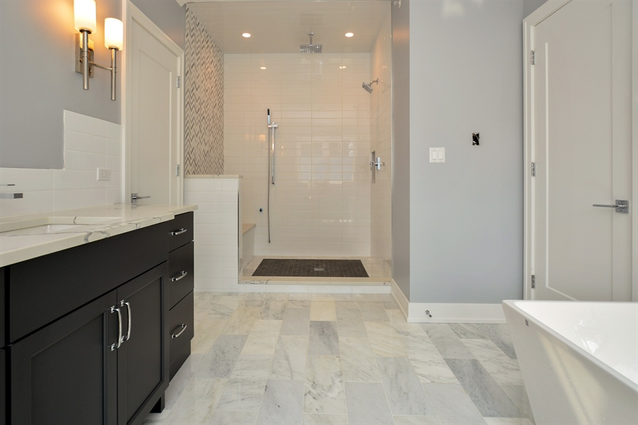 Real Estate Photography - 429 Williams Court, Clarendon Hills, IL, 60527 - Master Bathroom