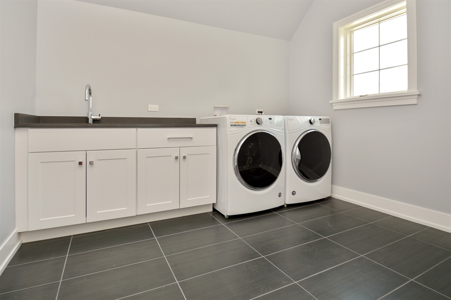 Real Estate Photography - 429 Williams Court, Clarendon Hills, IL, 60527 - Laundry Room
