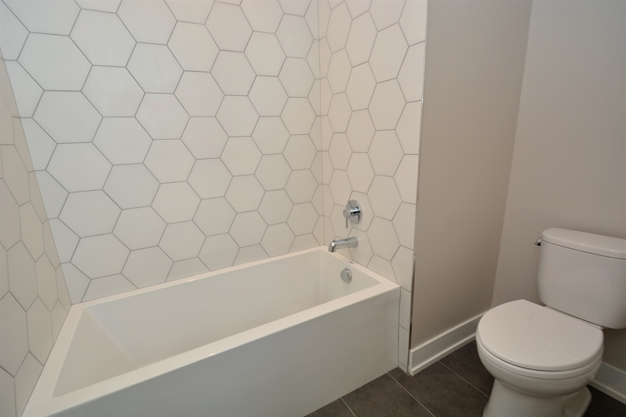 Real Estate Photography - 429 Williams Court, Clarendon Hills, IL, 60527 - 2nd Bathroom