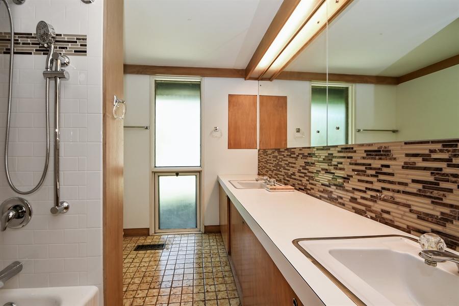 Real Estate Photography - 98 Graymoor Lane, Olympia Fields, IL, 60461 - Bathroom