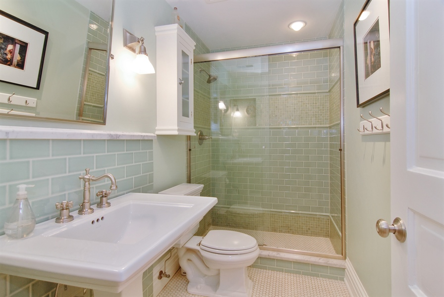 Real Estate Photography - 119 N. Wright Street, Naperville, IL, 60540 - 2nd Floor Full Bathroom