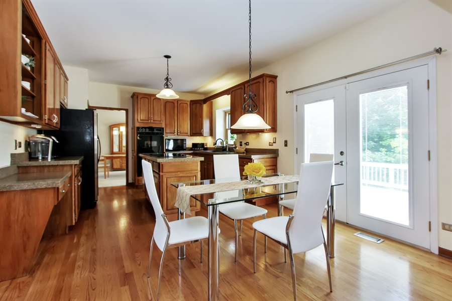 Real Estate Photography - 3541 Lakeview Drive, Algonquin, IL, 60102 - Kitchen