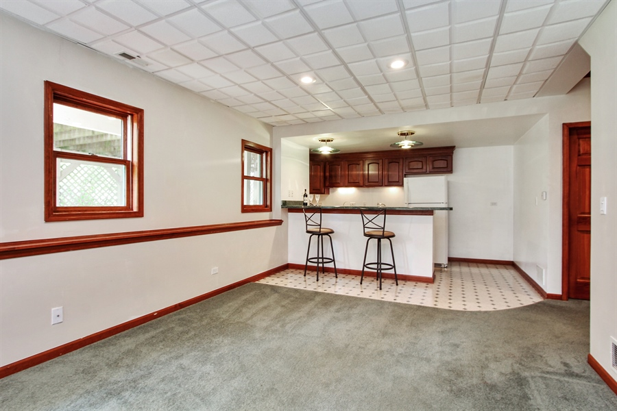 Real Estate Photography - 3541 Lakeview Drive, Algonquin, IL, 60102 - Recreation Room Bar