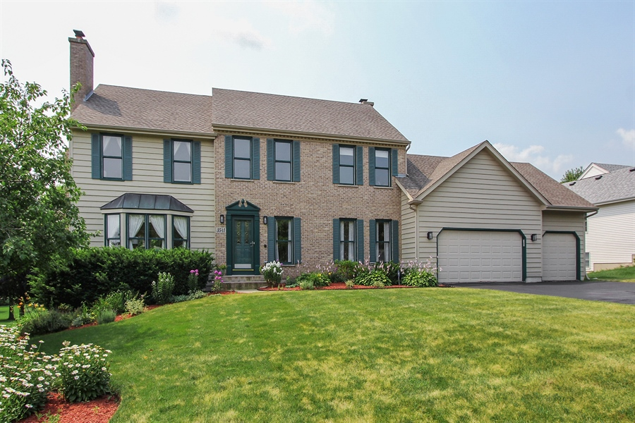 Real Estate Photography - 3541 Lakeview Drive, Algonquin, IL, 60102 - Front View