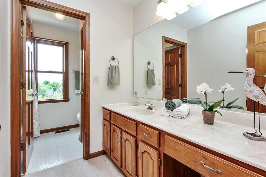 Real Estate Photography - 3541 Lakeview Drive, Algonquin, IL, 60102 - 2nd Bathroom