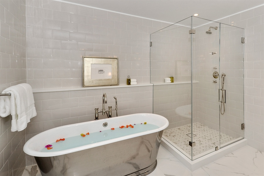 Real Estate Photography - 840 N. LAKE SHORE Drive, Unit 703, Chicago, IL, 60611 - Master Bathroom