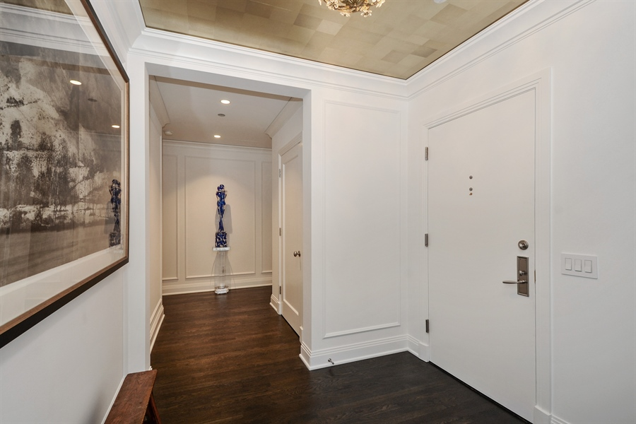 Real Estate Photography - 840 N. LAKE SHORE Drive, Unit 703, Chicago, IL, 60611 - Foyer