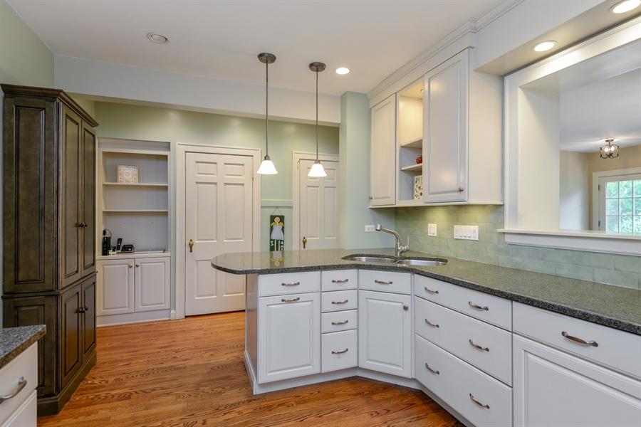 Real Estate Photography - 2715 Noyes Street, Evanston, IL, 60201 - Kitchen