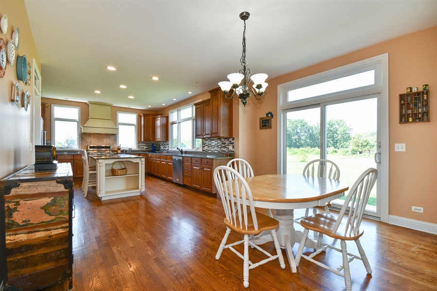 Real Estate Photography - 1N132 Blackberry Crossing Circle, Elburn, IL, 60119 - Kitchen / Breakfast Room