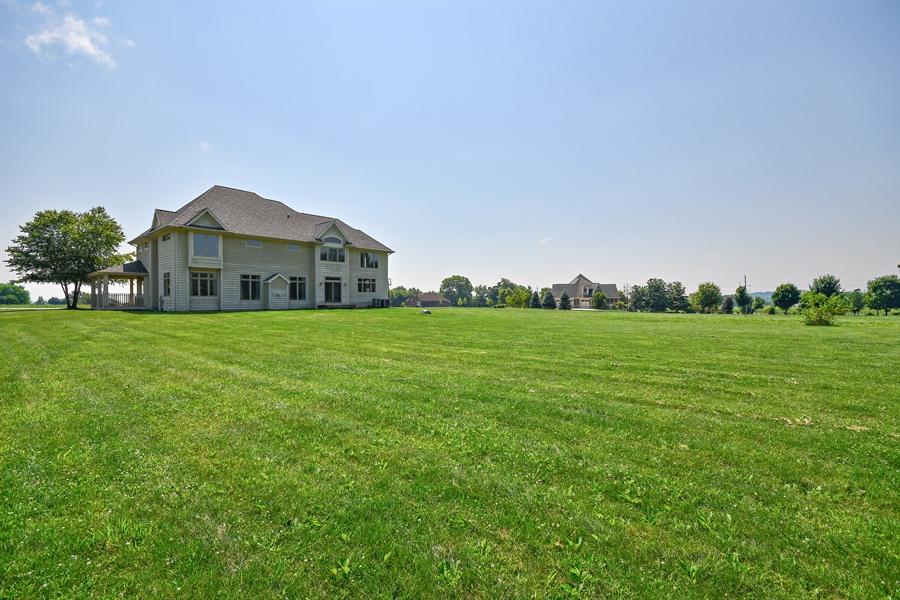 Real Estate Photography - 1N132 Blackberry Crossing Circle, Elburn, IL, 60119 - Back Yard