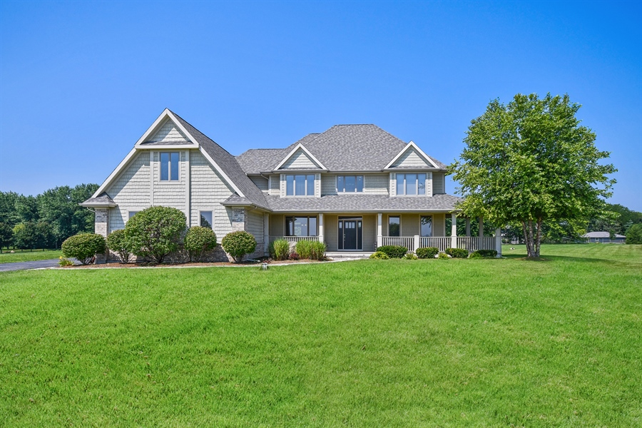 Real Estate Photography - 1N132 Blackberry Crossing Circle, Elburn, IL, 60119 - Front View